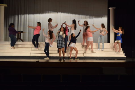 Theatre Presents Legally Blonde