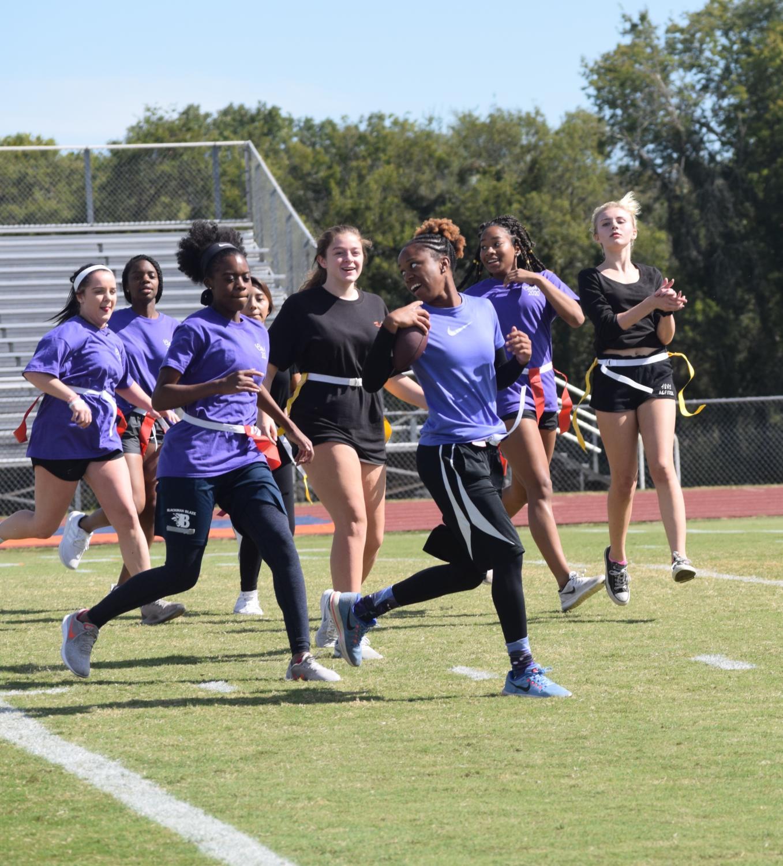 Junior+team+making+a+touchdown+against+the+freshman.