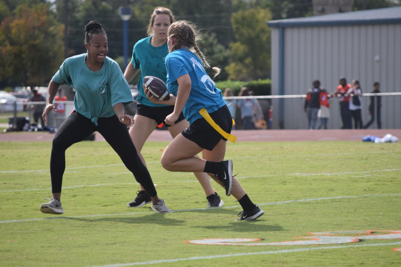 Madison+Wade%2C+senior+going+for+Jasmine+Hart%27s%2C+sophomore%2C+flag.