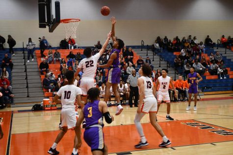 Blackman boys' basketball tied for first in district