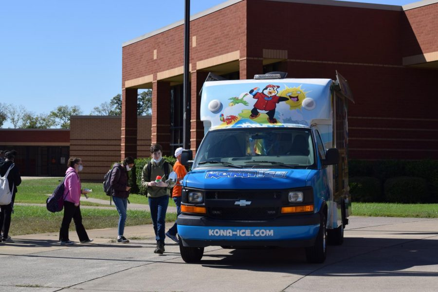 Food trucks and Kona-Ice visit the school during lunch