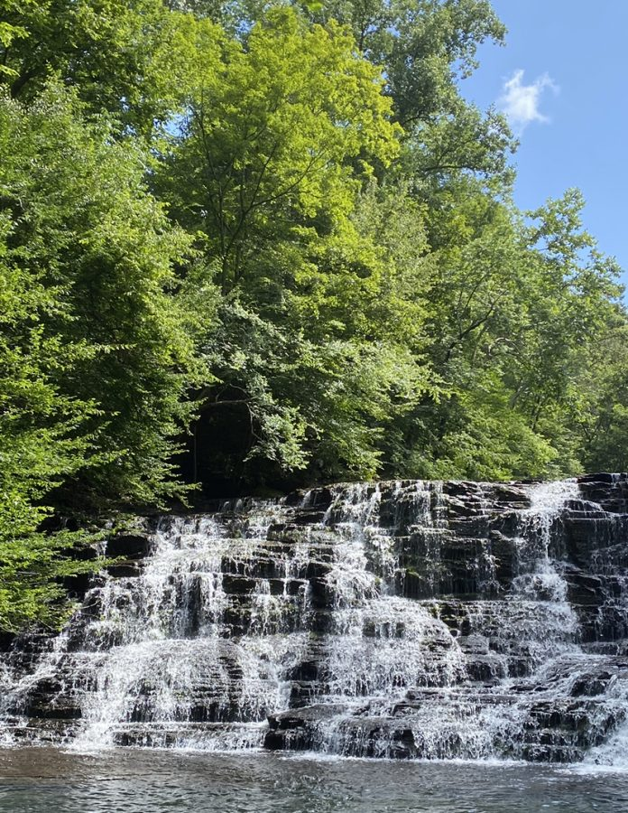 Rutledge Falls is a hiking trail in Tullahoma that leads to a waterfall.