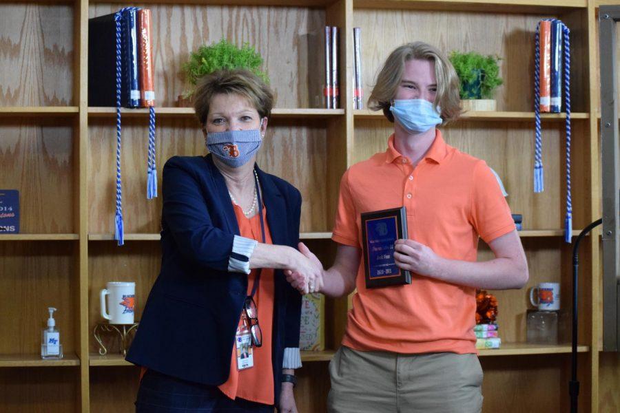 Jack Voss won the Honors Latin III award.