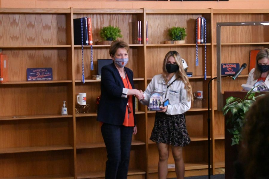 Samantha Salazar Calderon won the English I ESL and Applied Math awards.