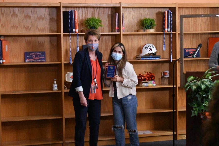 Sabrina Salazar Calderon won the U.S. History ESL award.