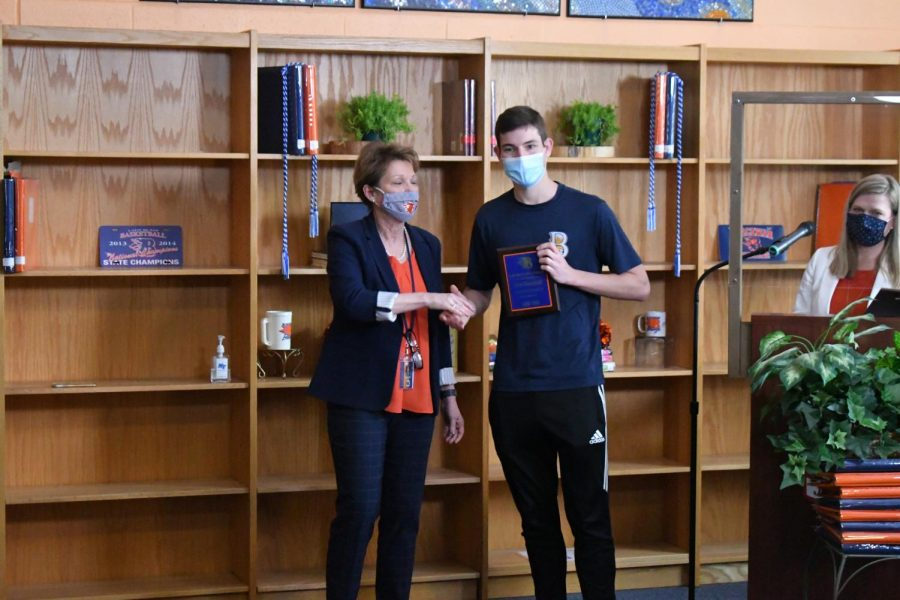 Carter Kleinschmidt won the Valedictorian, Art I, Clay, Marketing, and Senior Class President awards.