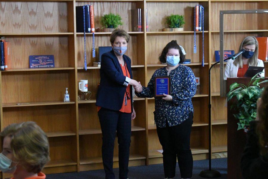 Leanna Thomas won a Valedictorian award.