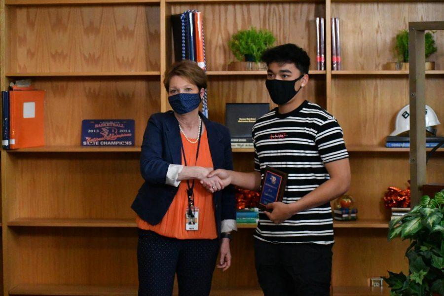 Isaiah Sembiring won the STEM award.