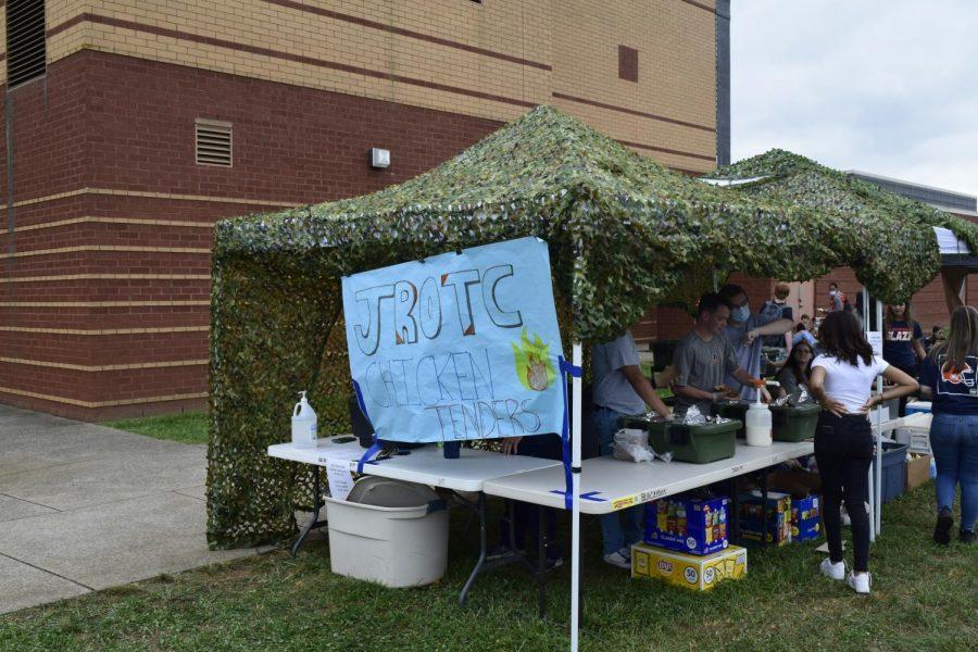Blackman JROTC sells meals with drinks.