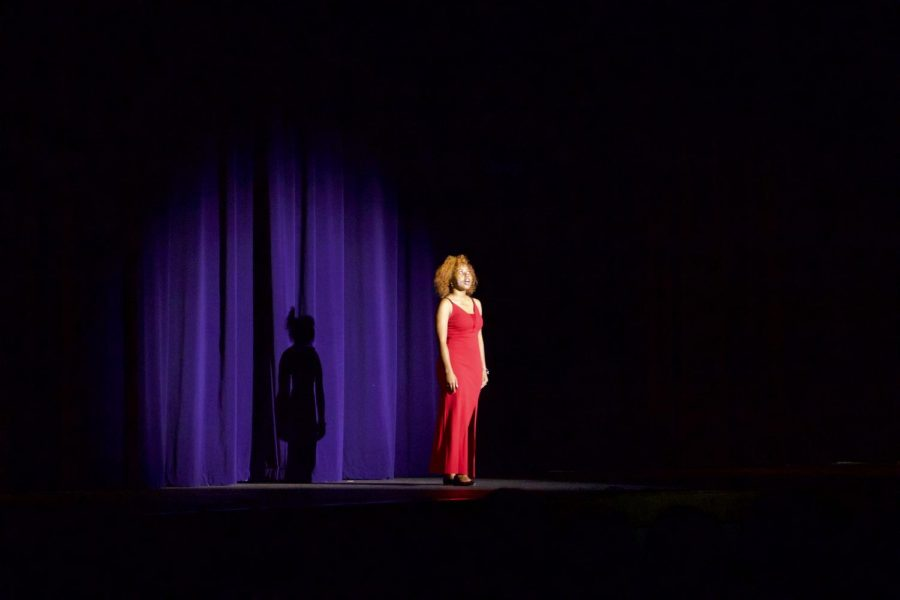 Autumn Parker performs My Favorite Things from The Sound of Music to start her 7 Rings performance.